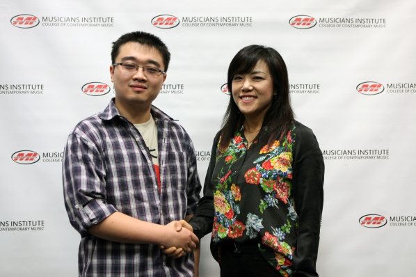 Mingge Lin (l) with Rachel Yoon Dean of MI's Bachelor Degree Program